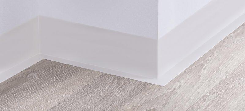 Weichsockelleiste Weiß PVC 100x25mm nach Montage